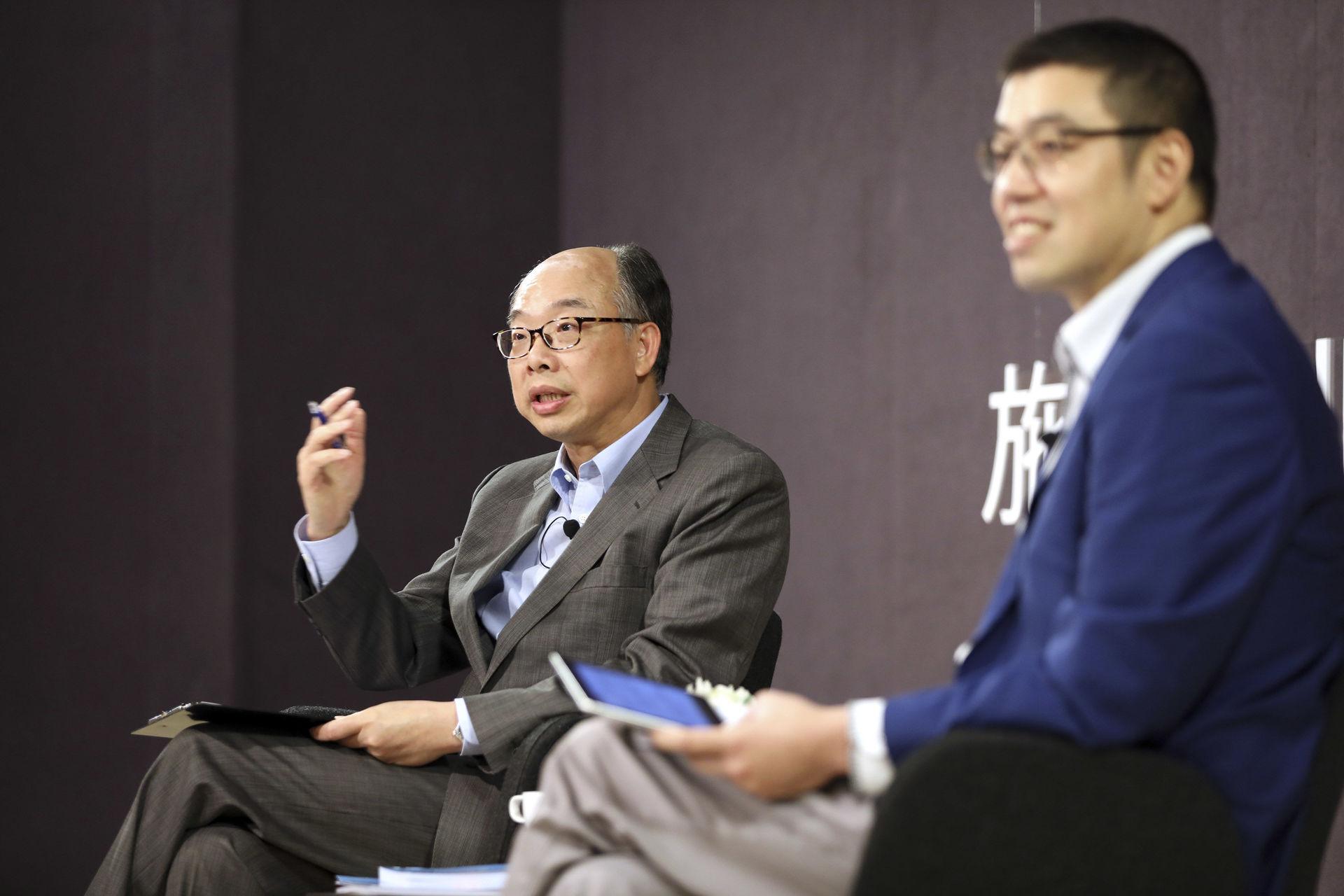 運輸及房屋局局長陳帆與青年談施政